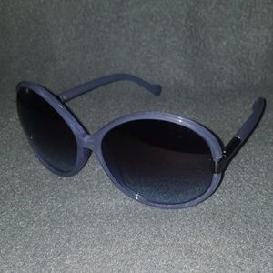 🎃NWOT JESSICA SIMPSON SUNGLASSES WITH FREE CASE